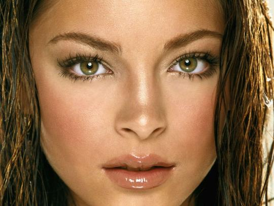 How To Enhance Your Eye Colour